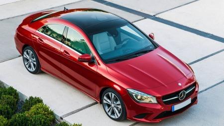 Nykommeren CLA er bygget på A-klasse - og viser hvor hardt Mercedes jobber med å få på plass nye modeller i en rekke nisjer. Bilen har fått en svært god mottagelse og det er ventelister på flere markeder.