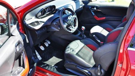 Peugeot 208 GTI interiør