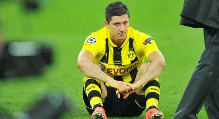 VIL TIL BAYERN: Robert Lewandowski har uttrykt et sterkt ønske om å gå til Bayern München. Men det får han ikke lov til.