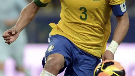 BRASILS BESTE: Thiago Silva er kanskje vertsnasjonens fremste spiller for øyeblikket. (Foto: FRANCK FIFE/Afp)