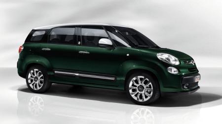 Fiat 500L har blitt strukket drøyt 20 centimeter - og dermed er den sjuseter og heter Living.