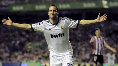 HER ELLER DER? Hvor spiller Gonzalo Higuain neste sesong? Real   Madrid? Arsenal? Napoli? Liverpool? (Foto: Alvaro Barrientos/Ap)