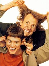 «Dum & dummere» fra 1994 spilte inn 1,6 milliarder kroner og regnes i dag som en kultklassiker. (Foto: New Line Cinema, ©ps)