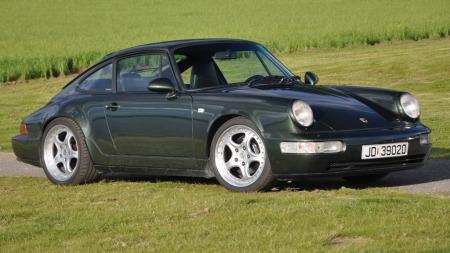 Bennys Porsche skrått forfra