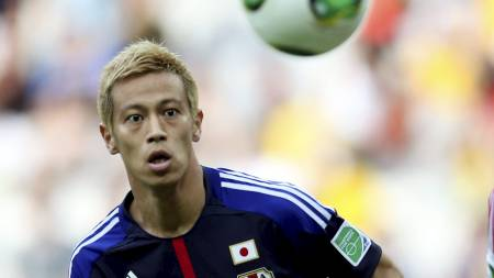 I MILAN-SAMTALER: Mye tyder på at Keisuke Honda blir klar for AC Milan. (Foto: UESLEI MARCELINO/Reuters)