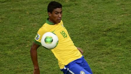 NÆR TOTTENHAM: Tottenham ser ut til å ha sikret seg brasilianske Paulinho. (Foto: CHRISTOPHE SIMON/Afp)