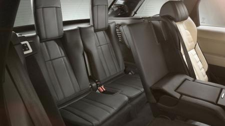 To ekstra bakseter helt bakerst er blant nyhetene på andre generasjon Range Rover Sport - det er noe mange kunder setter pris på.