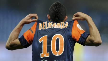 VIL TIL ENGLAND: Younes Belhanda vil helst til England, men foreløpig er det kun Aston Villa som kan tenke seg å selge drakter med navnet hans på. (Foto: PASCAL GUYOT/Afp)