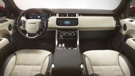 Stilrent og nesten litt minimalitisk design preger nye Range Rover Sport innvendig.