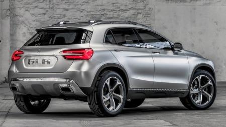 Konseptet var råtøft - men produksjonsmodellen blir ikke så verst den heller. Audi Q3, Range Rover Evoque og BMW X1 er de mest åpenbare konkurrentene for Mercedes GLA.