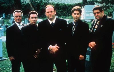 Steven Van Zandt (nummer to fra venstre) spilte rollen som Silvio i mafiaserien «The Sopranos». (Foto: ANTHONY NESTE, ©XAG JAF HH CL**NY**)