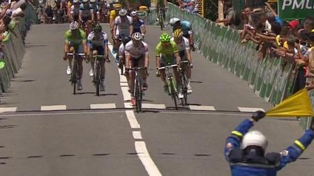 GREIPEL FØRST: André Greipel vant den innlagte spurten foran Peter Sagan og Mark Cavendish.