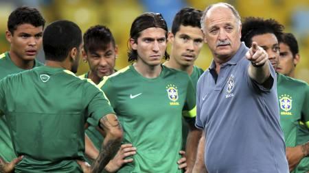 VIL VINNE FOR FANSEN: Scolari vil vinne mot Spania for å få tilbake respekten fra fansen. (Foto: SERGIO MORAES/Reuters)