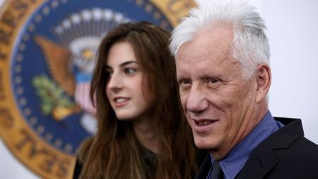 James Woods og sin 46 år yngre kjæreste på filmpremieren til «White House Down».