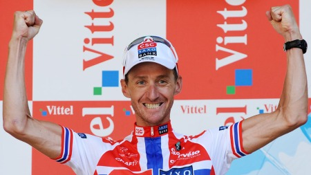 Kurt Asle Arvesen jubler etter å ha vunnet ellevte etappe i Tour de France i 2008. (Foto: PASCAL PAVANI, Scanpix)