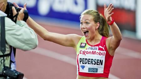 PERS PÅ BISLETT: Isabelle Pedersen løp på 13,16 på hjemmebane, og jublet høylydt. (Foto: Grøtt, Vegard/NTB scanpix)