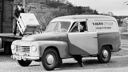 En av de første utgavene av Volvo Duett med ribbegrill og delt frontrute.