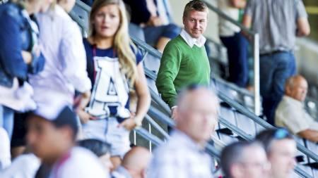 PÅ TRIBUNEN: Leif Gunnar Smerud måtte se oppgjøret mot Brann på tribunen. (Foto: Grøtt, Vegard/NTB scanpix)