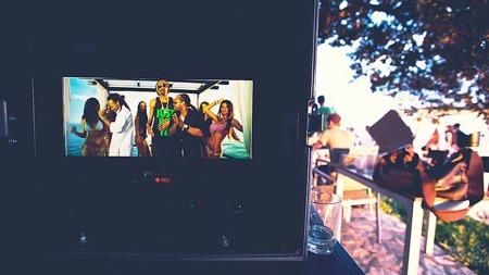 ET GLIMT AV RESULTATET: Låta «Is You With Me» med Madcon og Snoop Dogg kommer på plata