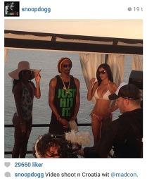 TIL FANSEN: Snoop Dogg skrev om og publiserte bilde av samarbeidet med Madcon til sine nesten to millioner følgere på Instagram. (Foto: SnoopDogg / Instagram)