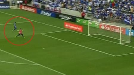 El Salvadors Rodolfo Zelaya ble matchvinner mot Honduras, men burde nok scoret enda flere.
