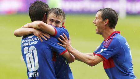 SCORET IGJEN: Morten Berre scoret igjen for Vålerenga. (Foto: Bendiksby, Terje/NTB scanpix)