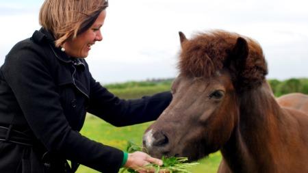 DYREPOLITIKK VIKTIG: Leder for Miljøpartiet De Grønne, Hanna E. Marcussen, sier at dyrevelferd er ett av de områdene de er mest opptatt av. (Foto: Miljøpartiet De Grønne)