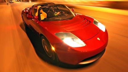 Eksteriøret bygger mye på Lotus Elise. Og det er jo ikke dumt.