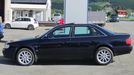 Audi S6 fra siden