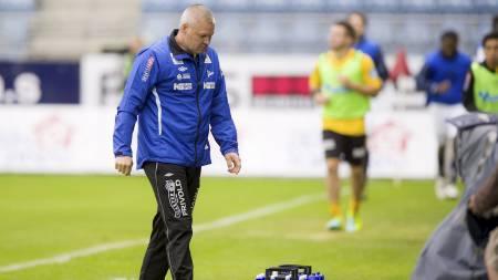RYKKER NED? Mons Ivar Mjelde var skuffet etter tapet mot Viking. (Foto: Kent Skibstad/NTB scanpix)