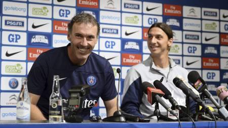 MØTTE PRESSEN: Laurent Blanc og Zlatan Ibrahimovic. (Foto: JONATHAN NACKSTRAND/Afp)