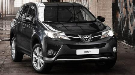 Toyota kan juble for at salget nye RAV4 øker med 240 prosent fra samme måned i fjor. Totalt så langt i år er salgsøkningen på knappe 74 prosent.