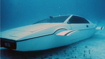 Ubåt-versjonen som nå skal selges er som synes svært ombygget, og ikke på langt nær kjørbar. Men det demper nok ikke interessen.