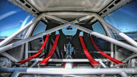 Shooting brake-fasongen på karosseriet gjorde 480 ES - som inspirasjonskilden 1800 ES - til en usedvanlig praktisk sportscoupé. Etter ombyggingen er det ikke mye plass til overs bak i denne. (Foto: Blocket.se)