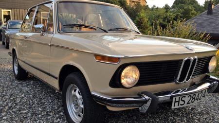 Kompakte mål og elegante linjer gjorde BMWs 02-serie, som alle hadde to dører, til en fulltreffer da den kom i 1966. (Foto: Privat)