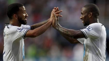 DEN ENESTE JUBELEN: Jermain Defoes hat trick mot South China   sørget for 6-0, og det er også den eneste kampen Spurs har vunnet i sommer.   (Foto: BOBBY YIP/Reuters)