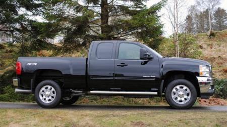 Extended caben på Chevrolet Silverado har til og med denne årsmodellen den ekstra, bakovervendte bakdøren uten midtstolpe på sidene. Fra årsmodell 2014 er det tilbake til tradisjonelle dører. (Foto: Privat)