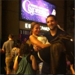 KJÆRESTER: - Alt jeg har tilbake nå, er de gode minnene vi skapte sammen, sier Ryan Anderson. Dette bildet har Gia Allermand publisert på Instagram med teksten My Prince #Cinderella #Nyc for en måned siden. (Foto: Instagram)