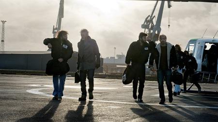 THRILLER: Stephen Lang, Wes Bentley og Aksel Hennie spiller sammen i filmen «Pionér», som i denne scenen. (Foto: Filmweb)