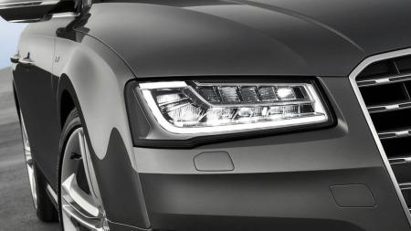 Matrix-lys kalles de nye lyktene på Audis nye flaggskip - A8. Her er det mye teknologi - og 29 ulike LED-dioder som jobber uavhengig av hverandre.