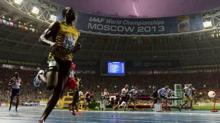 LYNET: Usain Bolt løper inn til seier på 100-meteren. (Foto: OLIVIER MORIN/Afp)