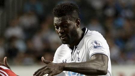PENGER, PENGER, PENGER: Emmanuel Adebayor vil heller spille reservelagsfotball for Tottenham enn å gå ned i lønn. (Foto: DALE de la REY/Afp)