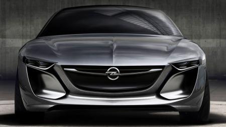 Nei, vi venter vel ikke akkurat å finne en Opel-logo midt en slik front. Opel har laget en konseptbil som virkelig vekker oppsikt.
