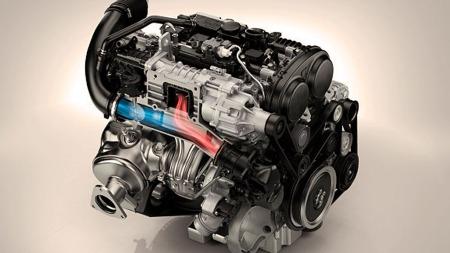 Volvo kommer nå med både kompressor og turbo. Høy morofaktor og grom lyd loves. Illustrasjonsbilde.