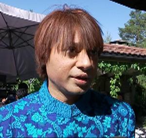 SYNES TEMAET ER VIKTIG: Den indiske skuespilleren Kapil Sharma. (Foto: TV 2)