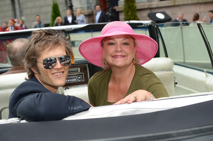 HOTEL CÆSAR-STJERNER: Kim Kolstad og Anette Hoff ankom i sportsbil. (Foto: Tor Gunnar Berland, ©ps)