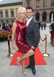 MED RØDE PALJETTER: Eks-modell Linda Johansen og dansepartner Glenn Jørgen Sandaker. (Foto: Tor Gunnar Berland, ©ps)
