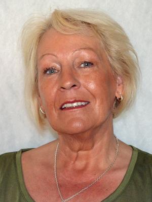 KOLS-SYK: Janne Bjørklund trenger ekstra oksygen når hun er ute på flytur.