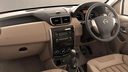 Terrano skal være litt mer påkostet innvendig enn opphavet Dacia Duster, blant annet med noe høyere materialkvalitet.