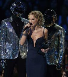 Prisen for beste kvinnelige video gikk til ingen andre enn Taylor Swift.